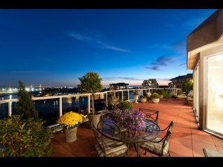 Main Photo: SPH -1 1185 Quayside Drive in New Westminster: Condo for sale : MLS® # v975858