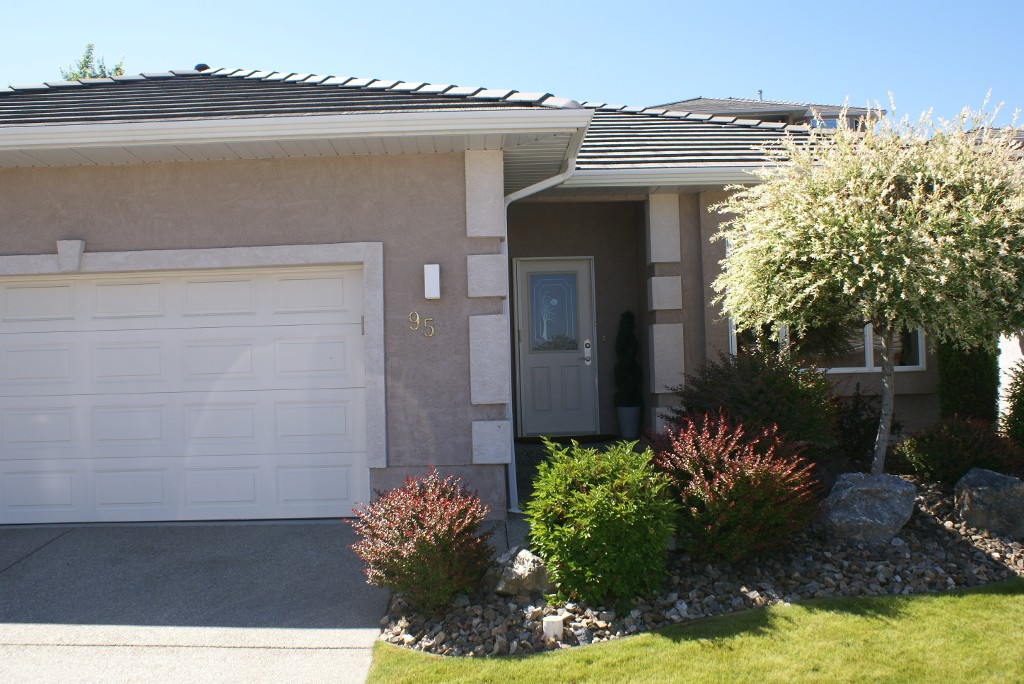 Main Photo: 124 Sarsons road in Vernon: City of Vernon Residential Detached for sale (North Okanagan)  : MLS® # 10067882