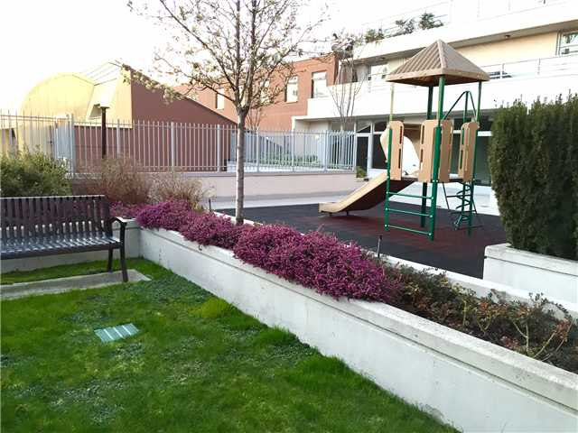 "Photo 18: 403 298 E 11TH Avenue in Vancouver: Mount Pleasant VE Condo for sale in ""SOPHIA"" (Vancouver East)  : MLS® # V1108043"