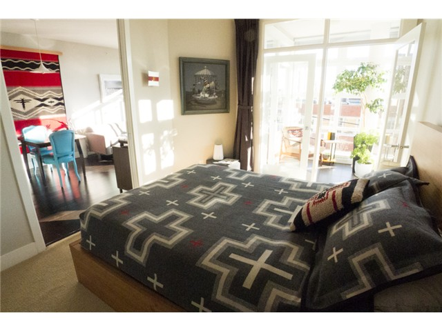"Photo 11: 403 298 E 11TH Avenue in Vancouver: Mount Pleasant VE Condo for sale in ""SOPHIA"" (Vancouver East)  : MLS® # V1108043"