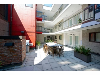 "Main Photo: 405 370 CARRALL Street in Vancouver: Downtown VE Condo for sale in ""21 DOORS"" (Vancouver East)  : MLS® # V1141894"