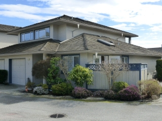 "Main Photo: 1 5768 MARINE Way in Sechelt: Sechelt District Townhouse for sale in ""Cypress Ridge"" (Sunshine Coast)  : MLS® # R2025598"