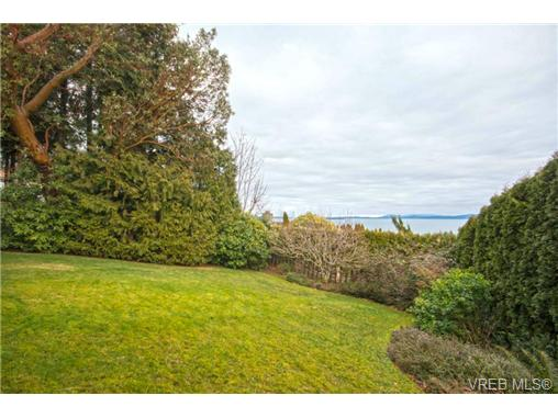 Photo 17: 854 Seamist Court in VICTORIA: SE Cordova Bay Single Family Detached for sale (Saanich East)  : MLS(r) # 359834