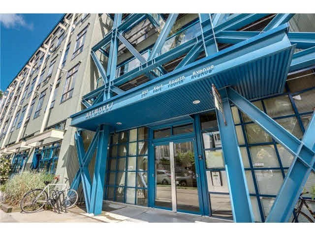 "Main Photo: 205 237 4TH Avenue in Vancouver: Mount Pleasant VE Condo for sale in ""ARTWORKS"" (Vancouver East)  : MLS®# R2037663"