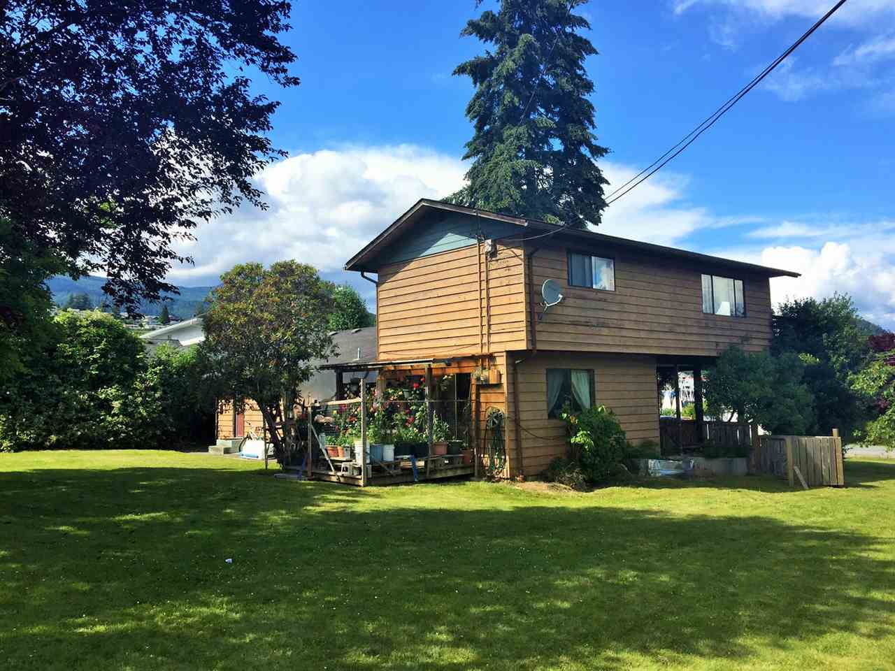 Main Photo: 681 DOUGALL Road in Gibsons: Gibsons & Area House for sale (Sunshine Coast)  : MLS® # R2081212