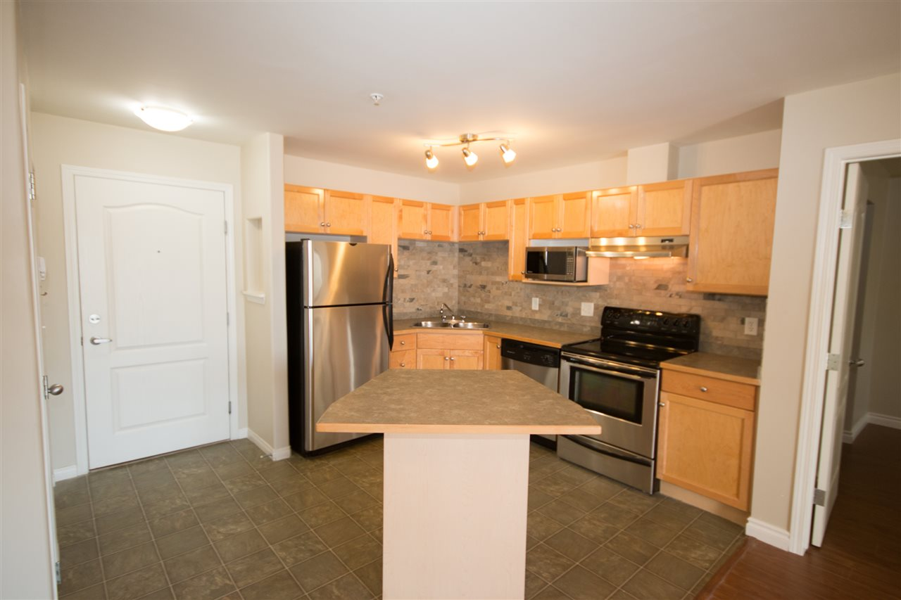 Photo 2: 139 9525 162 Avenue NW in Edmonton: Zone 28 Condo for sale : MLS(r) # E4032064