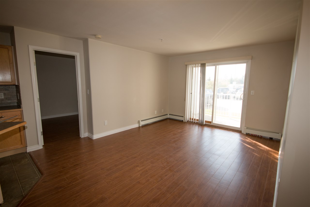 Photo 5: 139 9525 162 Avenue NW in Edmonton: Zone 28 Condo for sale : MLS(r) # E4032064