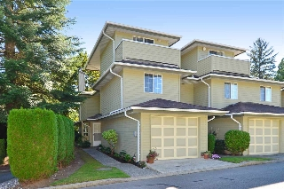 "Main Photo: 122 1386 LINCOLN Drive in Port Coquitlam: Oxford Heights Townhouse for sale in ""MOUNTAIN PARK VILLAGE"" : MLS® # R2108000"