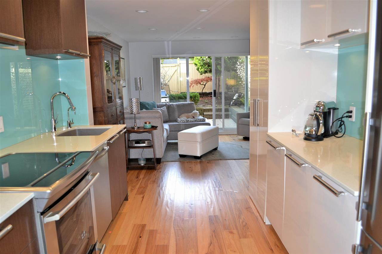 "Photo 4: 5 3140 W 4TH Avenue in Vancouver: Kitsilano Townhouse for sale in ""AVANTI"" (Vancouver West)  : MLS® # R2123211"