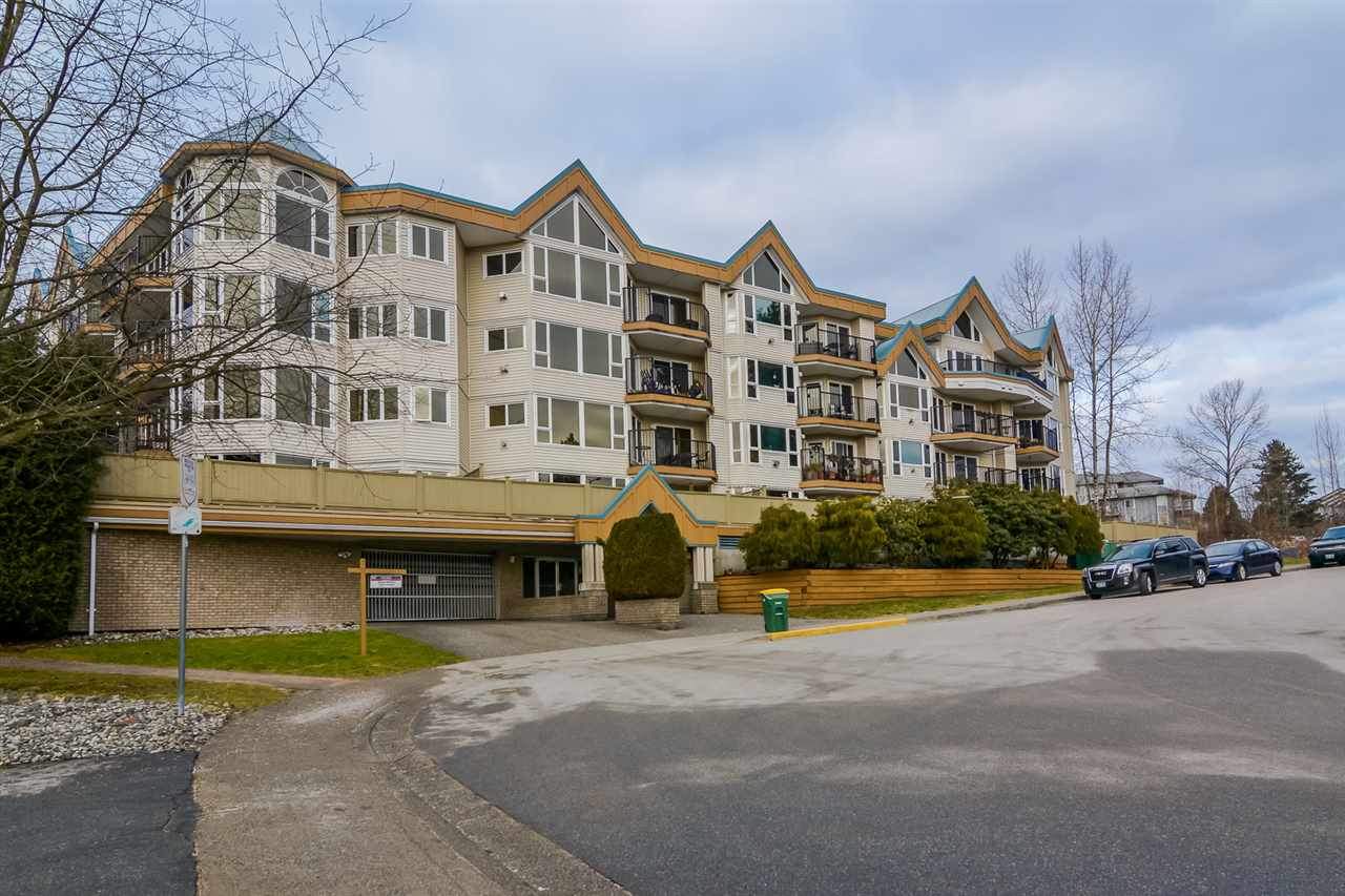 "Main Photo: 105 11595 FRASER Street in Maple Ridge: East Central Condo for sale in ""Brickwood Place"" : MLS®# R2134500"