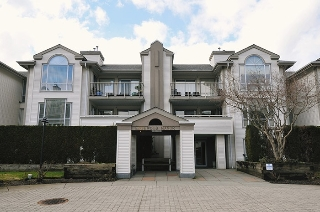 "Main Photo: 111 19122 122 Avenue in Pitt Meadows: Central Meadows Condo for sale in ""EDGEWOOD MANOR"" : MLS(r) # R2140577"