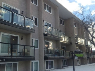 Main Photo:  in Edmonton: Zone 07 Condo for sale : MLS(r) # E4052211
