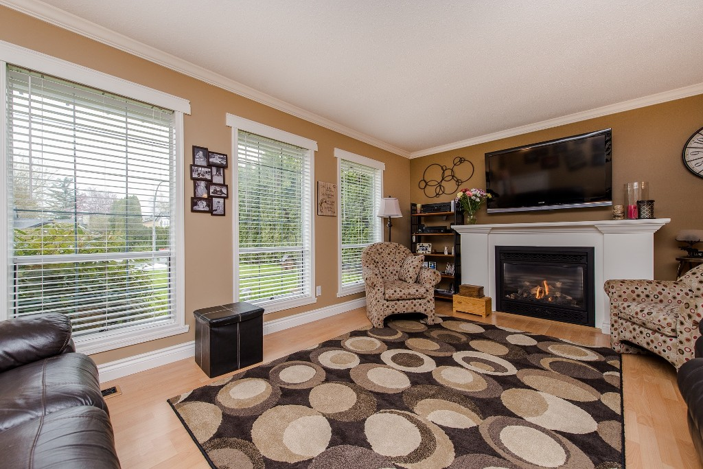 Photo 5: 2981 264A Street in Langley: Aldergrove Langley House for sale : MLS(r) # R2156040