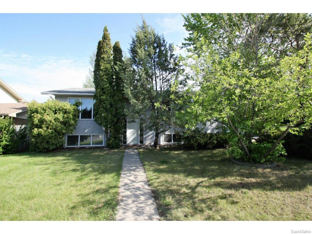 Main Photo: 3407 Balfour Street in Saskatoon: West College Park Single Family Dwelling for sale (Saskatoon Area 01)  : MLS(r) # 611088