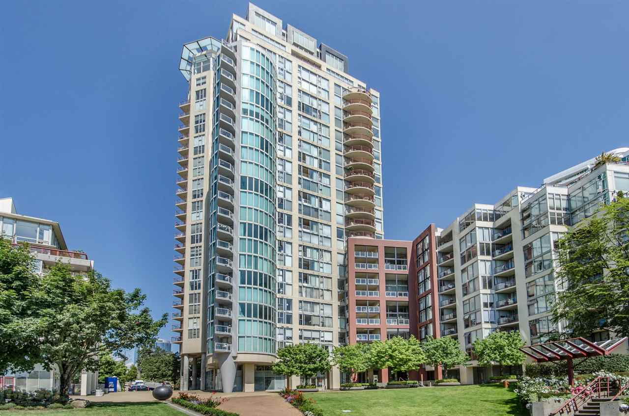 "Main Photo: 709 990 BEACH Avenue in Vancouver: Yaletown Condo for sale in ""1000 Beach Terraces"" (Vancouver West)  : MLS(r) # R2187799"