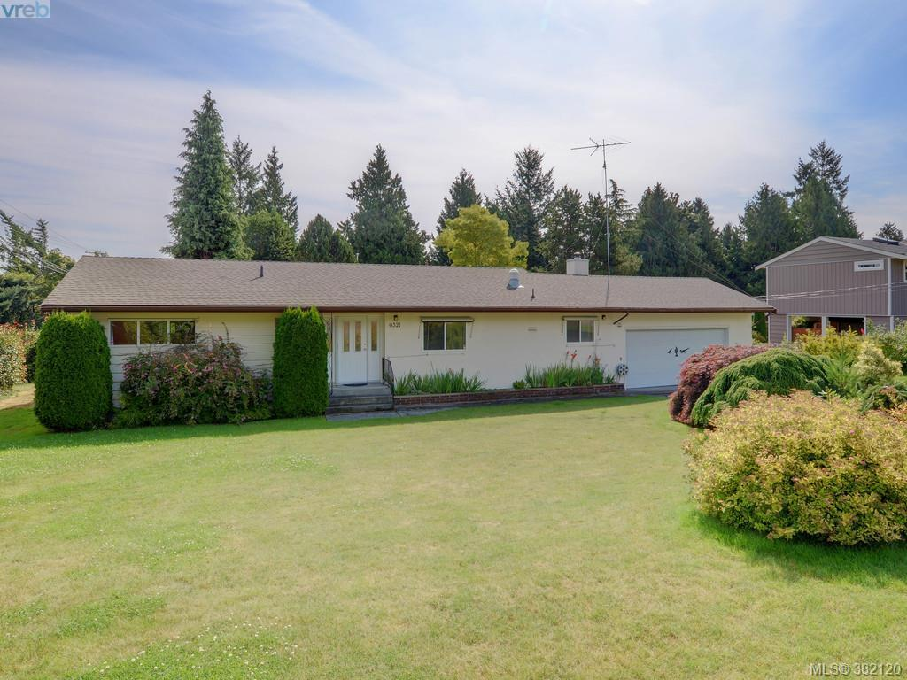 Main Photo:  in VICTORIA: CS Tanner Single Family Detached for sale (Central Saanich)  : MLS® # 382120