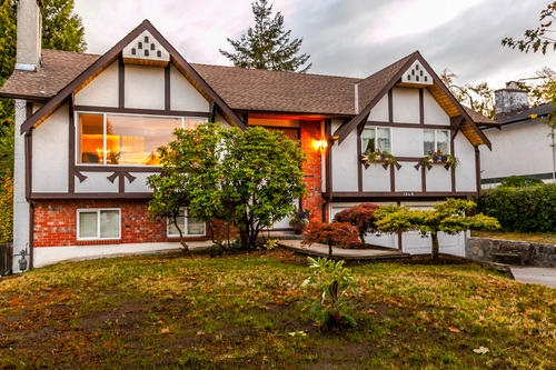 Main Photo: 1648 CORNELL Avenue in Coquitlam: Central Coquitlam House for sale : MLS® # R2204378