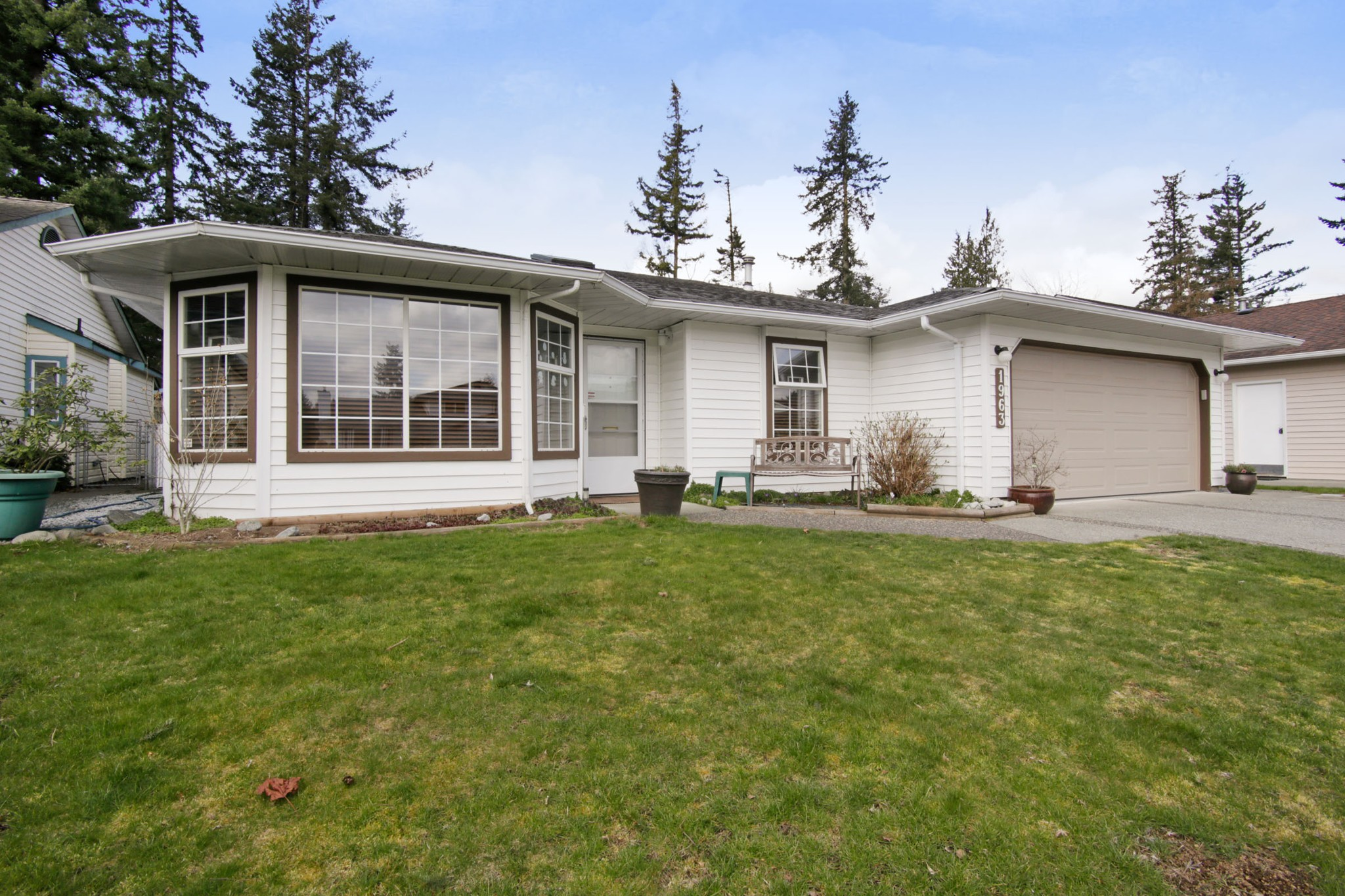 Main Photo: 1963 MAPLEWOOD Place in Abbotsford: Central Abbotsford House for sale : MLS®# R2248919