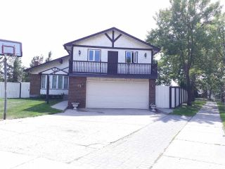 Main Photo: 72 GRAND MEADOW Crescent in Edmonton: Zone 29 House for sale : MLS®# E4106272