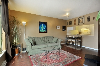 "Main Photo: 302 929 W 16TH Avenue in Vancouver: Fairview VW Condo for sale in ""OAKVIEW GARDEN"" (Vancouver West)  : MLS® # V884403"