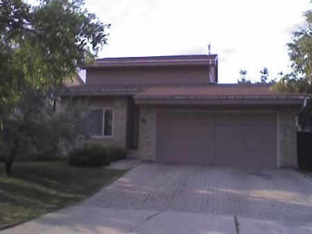 Main Photo: 77 Healy Cres.: Residential for sale (River Park South)  : MLS(r) # 2615642
