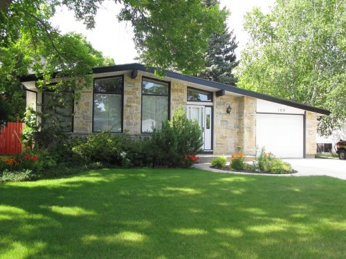 Main Photo: 100 Rochester Avenue in Winnipeg: Fort Garry / Whyte Ridge / St Norbert Single Family Detached for sale (South Winnipeg)  : MLS® # 1218401