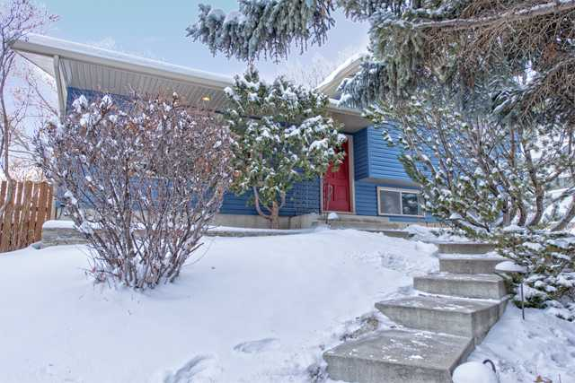 Main Photo: 5807 DALFORD HILL NW in Calgary: Dalhousie Residential Detached Single Family  : MLS®# C3647825