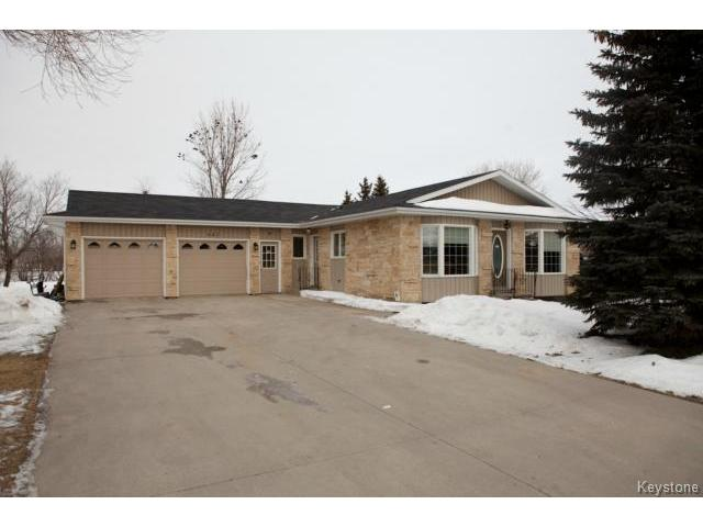Main Photo: 647 Jolys Avenue East in STPIERRE: Manitoba Other Residential for sale : MLS® # 1501794