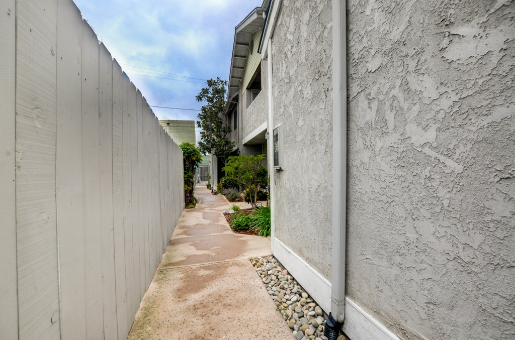Photo 21: HILLCREST Townhome for sale : 2 bedrooms : 1222 Essex Street #2 in San Diego