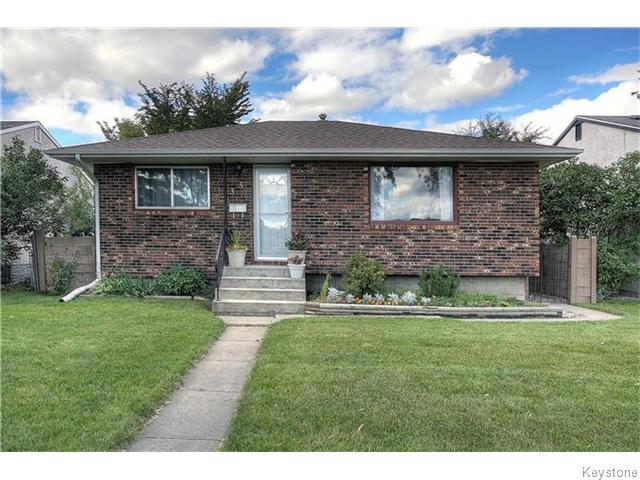 Main Photo: 735 Ravelston Avenue in Winnipeg: West Transcona Residential for sale (3L)  : MLS® # 1624453