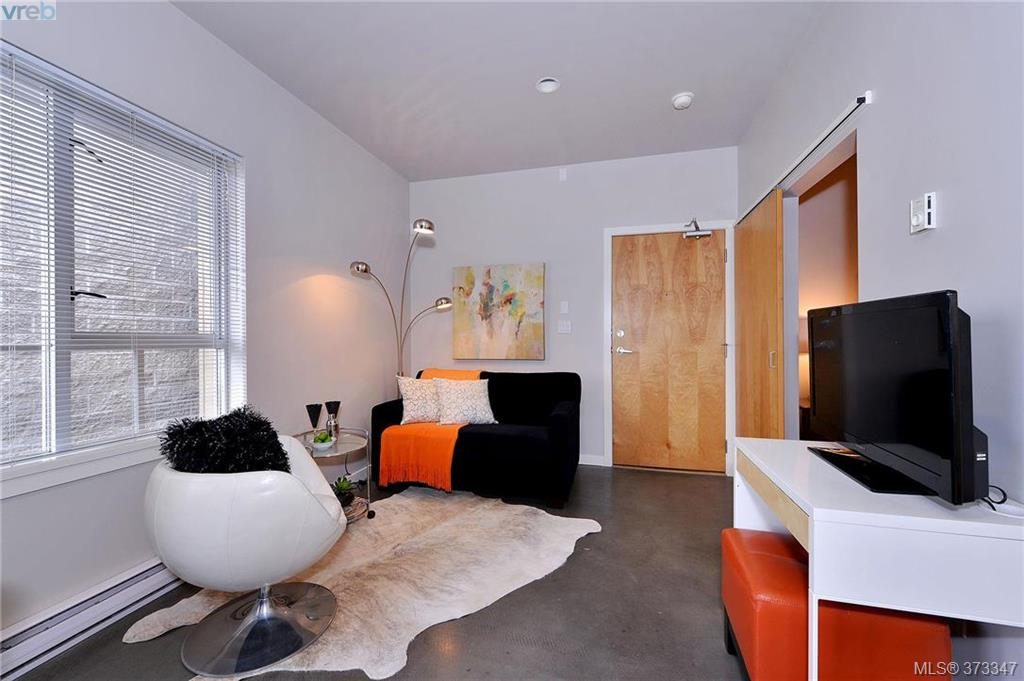 Main Photo: 405 848 Mason Street in VICTORIA: Vi Central Park Condo Apartment for sale (Victoria)  : MLS® # 373347