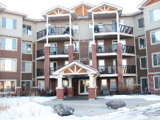 Main Photo: 105 3719 Whitelaw Lane in Edmonton: Zone 56 Condo for sale : MLS(r) # E4054029