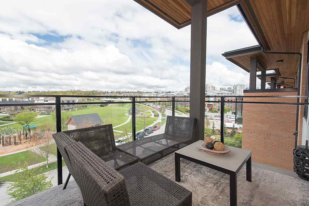 "Photo 5: 401 220 SALTER Street in New Westminster: Queensborough Condo for sale in ""GLASSHOUSE LOFTS"" : MLS® # R2159431"