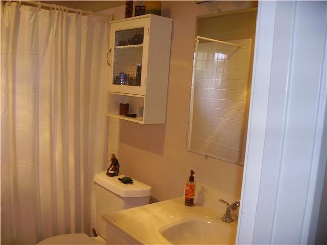 Photo 10: PACIFIC BEACH Condo for rent : 1 bedrooms : 4750 Noyes St #215 in San Diego