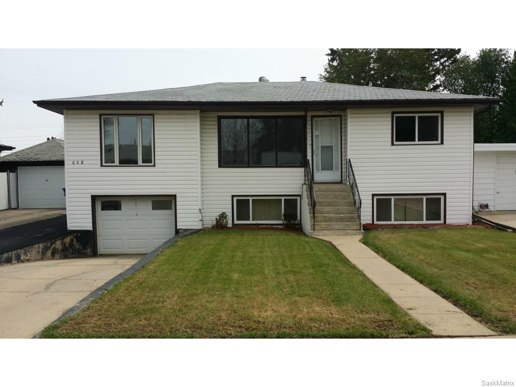 Main Photo: 608 R Avenue North in Saskatoon: Mount Royal SA Residential for sale : MLS(r) # SK609003