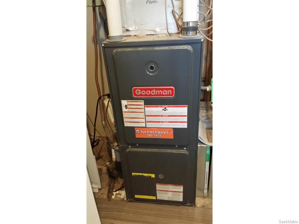 Hi-efficient furnace installed 2011.
