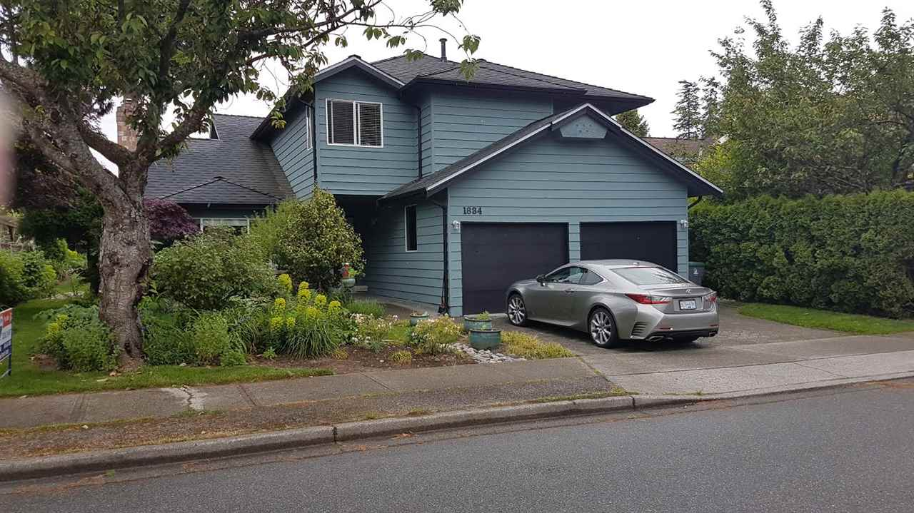 "Main Photo: 1834 SOUTHMERE Crescent in Surrey: Sunnyside Park Surrey House for sale in ""Southmere"" (South Surrey White Rock)  : MLS® # R2170835"