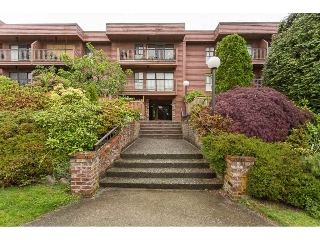 "Main Photo: 405 215 MOWAT Street in New Westminster: Uptown NW Condo for sale in ""CEDARHILL MANOR"" : MLS(r) # R2177235"