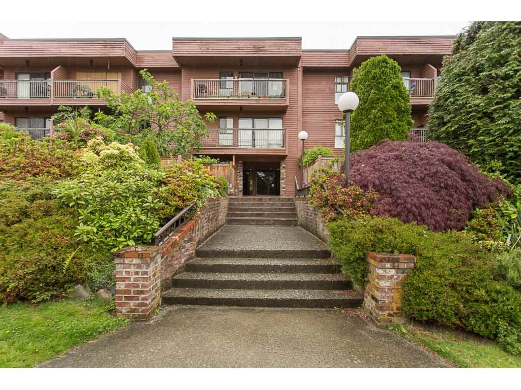 "Main Photo: 405 215 MOWAT Street in New Westminster: Uptown NW Condo for sale in ""CEDARHILL MANOR"" : MLS® # R2177235"