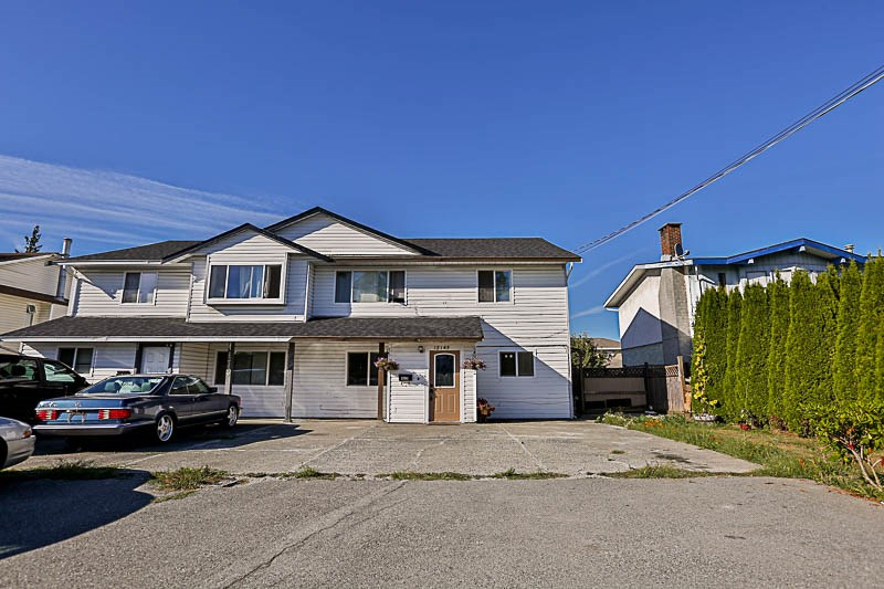 Main Photo: 12143 98 Avenue in Surrey: Cedar Hills House 1/2 Duplex for sale (North Surrey)  : MLS®# R2204391