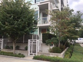 "Main Photo: 102 161 W GEORGIA Street in Vancouver: Downtown VW Townhouse for sale in ""COSMO"" (Vancouver West)  : MLS® # R2231413"