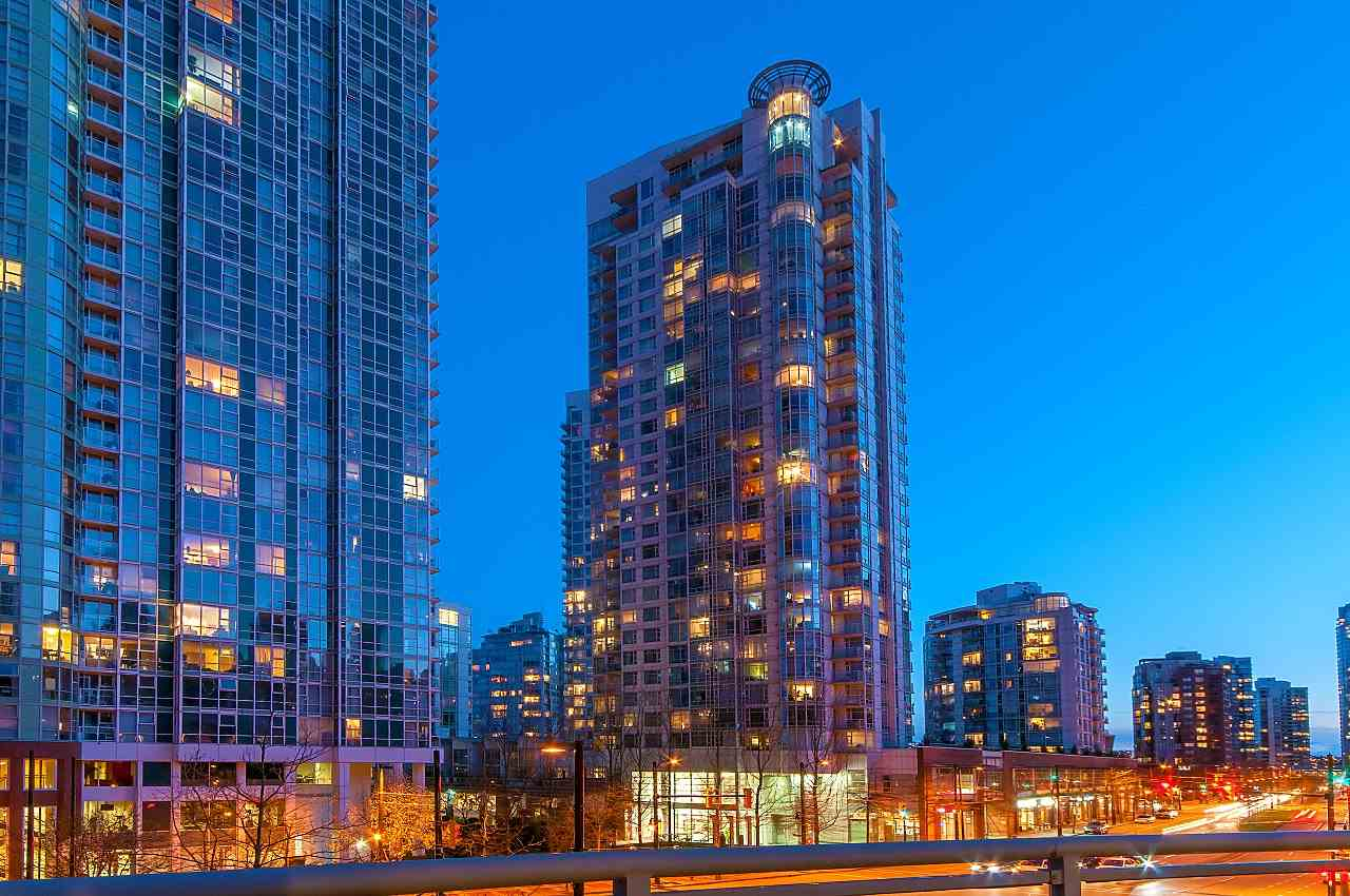 Main Photo: 302 198 AQUARIUS MEWS in Vancouver: Yaletown Condo for sale (Vancouver West)  : MLS® # R2231023