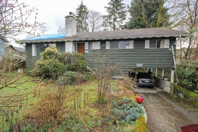 Main Photo: 922 SEACREST Court in Port Moody: College Park PM House for sale : MLS®# R2252739