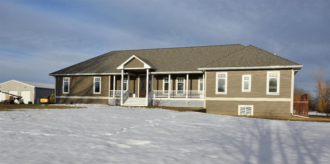 Main Photo: 55301 Rural Route 252: Rural Sturgeon County House for sale : MLS®# E4106967