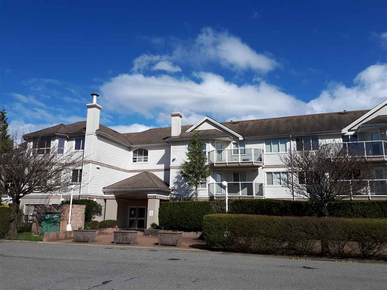 Main Photo: 206 12769 72 AVENUE in Surrey: West Newton Condo for sale : MLS®# R2257906