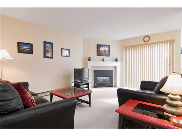 "Main Photo: 48 1235 JOHNSON Street in Coquitlam: Canyon Springs Townhouse for sale in ""CREEKSIDE PLACE"" : MLS® # V877699"