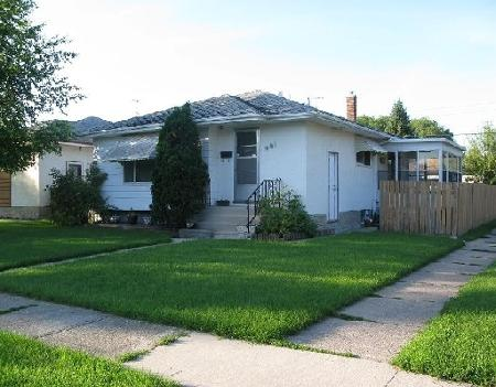 Main Photo: 681 PRINCE RUPERT AV in WINNIPEG: Residential for sale (Elmwood)  : MLS(r) # 2916057