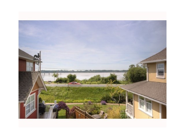 Photo 2: 3 6400 PRINCESS Lane in Richmond: Steveston South Townhouse for sale : MLS® # V1044424