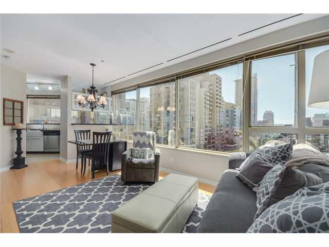 "Main Photo: 704 1177 HORNBY Street in Vancouver: Downtown VW Condo for sale in ""London Place"" (Vancouver West)  : MLS(r) # V1069456"