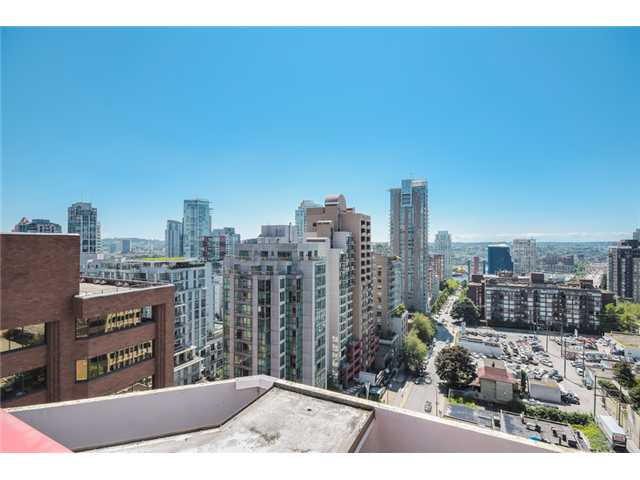 "Photo 15: 704 1177 HORNBY Street in Vancouver: Downtown VW Condo for sale in ""London Place"" (Vancouver West)  : MLS(r) # V1069456"